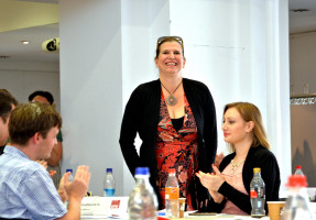 Julia Schönfeld-Knor freut sich über die Wahl in den Vorstand der Münchner SPD