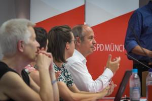 Das Präsidium führte konzentriert und souverän durch den Parteitag