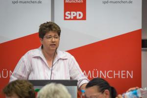 Die stellvertretende Parteivorsitzende Micky Wenngatz spricht