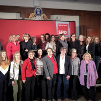 Frauenpower: aktuelle und ehemalige weibliche Mandatsträgerinnen der Münchner SPD