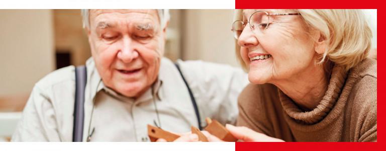Älteres Paar bei der Freizeitbeschäftigung